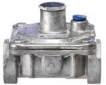 RV47CL-33 Dormont - 3/8in. Convertible Gas Regulator, 125,000/200,000 BTU/hr cap