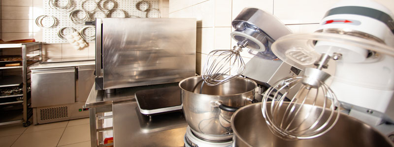 countertop stand mixers in commercial kitchen