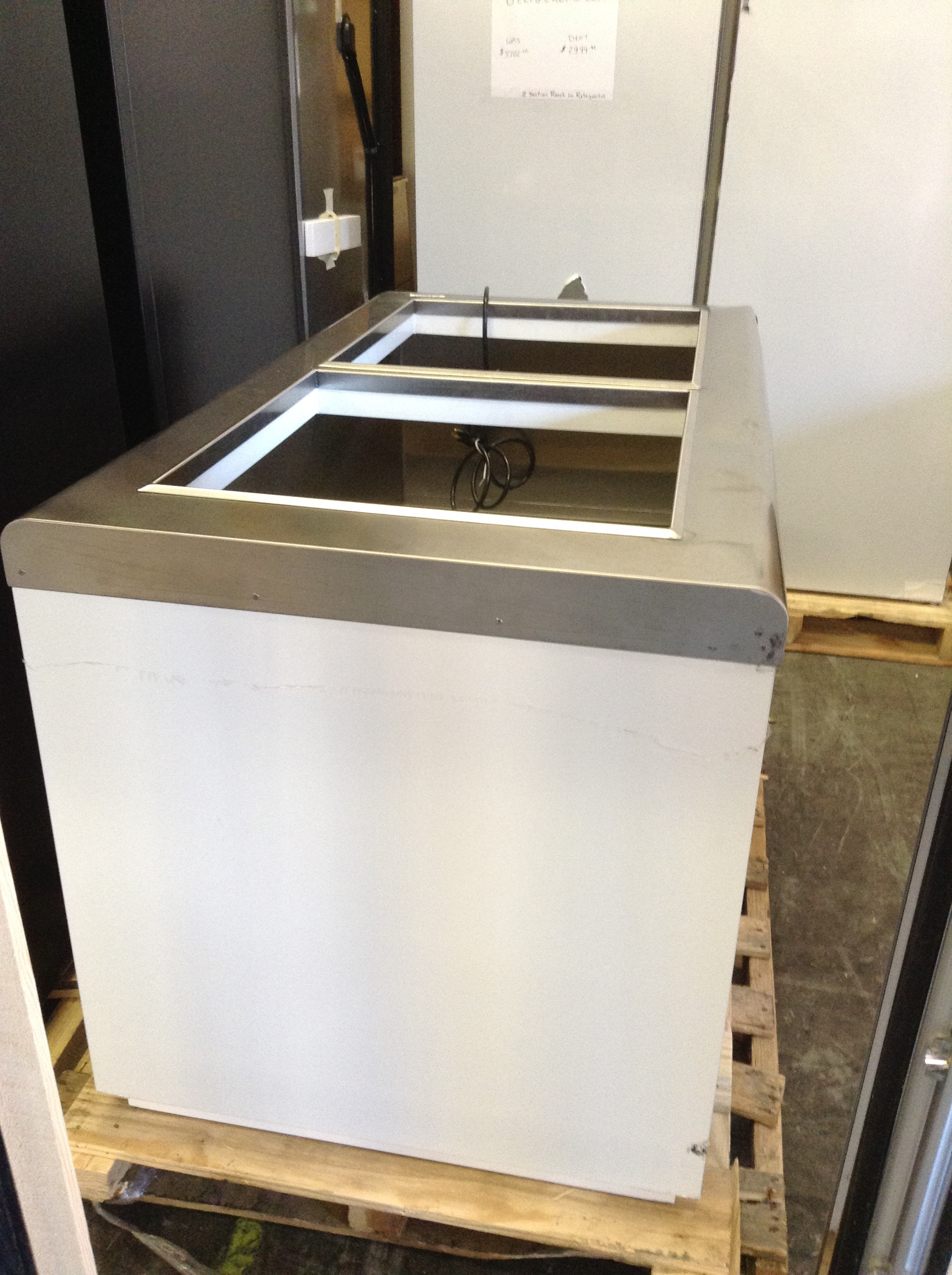 BD8 Nelson Conventional Dipping Cabinet 11 Facings 15 Tub Capacity
