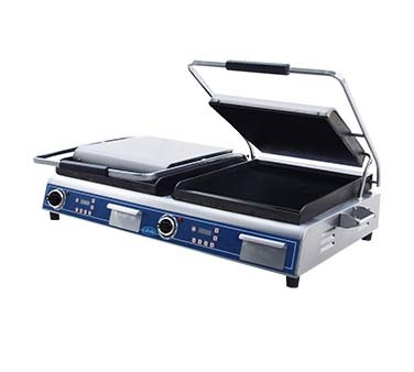 Globe GSGDUE14D - Double Sandwich/Panini Grill w/Smooth Plates, 14 x 14 in.